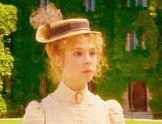 Megan Follows as Anne Shirley in Anne of Green Gables (1985).