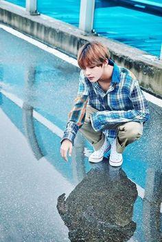 This is a Community where everyone can express their love for the Kpop group BTS Bts Taehyung, Bts Bangtan Boy, Taehyung Fanart, Foto Bts, Daegu, Bts Lockscreen, Bts Stage, Bts Memes, Kpop