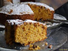 Κέικ με μήλο, καρότο και σταφίδες... χειμωνιάτικη λιχουδιά | Tante Kiki Greek Desserts, Greek Recipes, Greek Cake, Breakfast Snacks, Cornbread, Banana Bread, Sweet, Ethnic Recipes, Blog