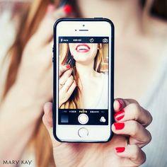 La selfie perfecta sólo se consigue con el maquillaje perfecto. #Selfie #Maquillaje #MaryKay #Belleza