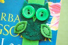 felt owl with button eyes