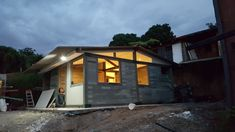Esta casa, foi construída com tijolos de plástico reciclado em apenas 5 dias