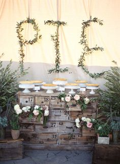inspiration I Pie dessert table | Southern California wedding | Photo by Braedon Flynn | Read more - http://www.100layercake.com/blog/?p=67357