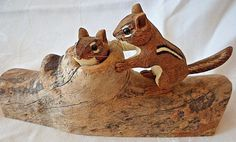 Vtg Ray Showman Ohio Artist Signed '87 Wood Chipmunks Log Hand Carved Painted 7""