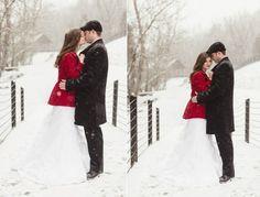 Romantische Hochzeit mit einem roten Mantel feiern