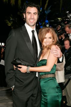 """Isla Fisher: 5ft 3""""   Sacha Baron Cohen: 6ft 3""""   Height Difference: 12 inches"""