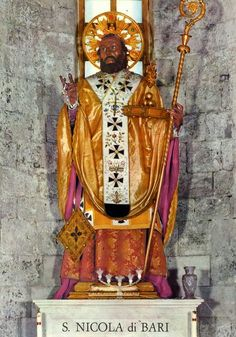 Black Santa Bari, Blacks In The Bible, Black Santa, Moorish, Black People, African, History, Painting, Christ