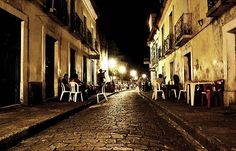 São Luís, Maranhão, Brasil - Centro Histórico à noite.  Foto: Julison.