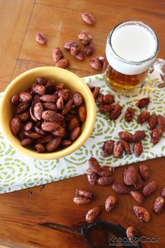 Pumpkin Pie Roasted Almonds - low carb if you use sugar free sweeteners - I would add 2 TBS. of pumpkin to 4 TBS of sugar free maple syrup to amp it up to a real pumpkin pie flavor! Pumpkin Recipes, Fall Recipes, Holiday Recipes, Snack Recipes, Cooking Recipes, Spiced Almonds, Roasted Almonds, Raw Almonds, Pecans