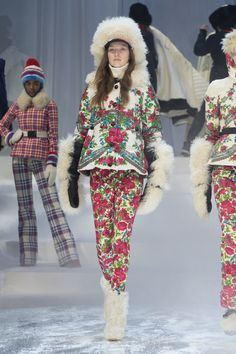 Moncler Grenoble Fall 2017 Ready-to-Wear Collection Photos - Vogue Moncler, Fashion 2017, Fashion Show, Ski Fashion, Fashion Weeks, Style Russe, Russian Fashion, Russian Style, Daily Dress