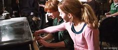 ron and hermione - rupert and emma behind the scenes gif