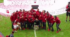 beer bayern munich bayern bundesliga pep guardiola douglas costa beer shower david alaba bundesliga champions trending #GIF on #Giphy via #IFTTT http://gph.is/1XuG4Uh