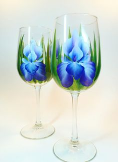 Set of 2 Hand painted 16oz. Purple Iris Floral Wine glasses.  Perfect for your favourite wine.  Great for Gift giving