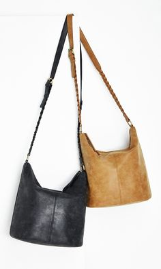 A Medium-sized bucket bags with braided shoulder straps is perfect for carrying all your summer supplies. Bucket Bags, Baskets, New Bag, My Bags, Shoulder Straps, Purses And Handbags, Boho, Love Fashion, Fashion Accessories