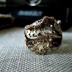Ash Leaf Ring: Bronze