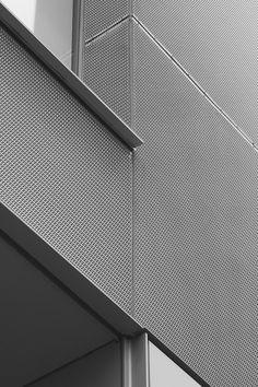 Metal Office _ Takashi Yamaguchi & Associates _ Fantastic #Office #Building