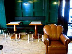questa è la zona per i vostri aperitivi  si può riservare in esclusiva   www.portofluviale.com