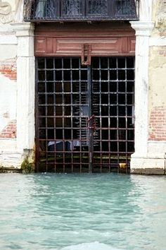 Venezia Garage Doors, Italy, Windows, Outdoor Decor, Home Decor, Italia, Decoration Home, Room Decor, Home Interior Design