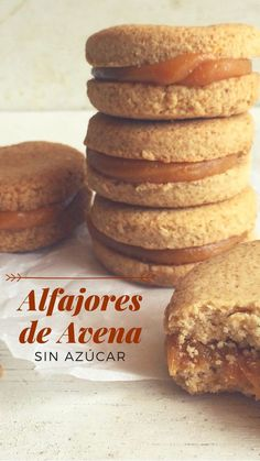 Alfajores Saludables Delicious recipe sugarfree… cookies from … tell us what you think … Sweet Recipes, Real Food Recipes, Cookie Recipes, Dessert Recipes, Tortas Light, Low Calorie Desserts, Snacks Saludables, Tasty, Yummy Food