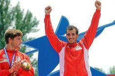 Canoagem portuguesa começa com ouro e bronze. Samuel Amorim conquistou a medalha de ouro em C1 sub-23, enquanto Rui Lacerda arrecadou o bronze na mesma categoria. Confira o programa para sábado.
