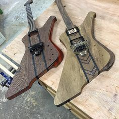 """""""Back on with these two Solomon builds now the trems have arrived from Floyd Rose. The Wenge and Padauk (left) is already sold, the Imbuya, Wenge, Padauk…"""""""