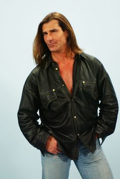 Promotional studio portrait of Fabio, for a guest appearance on the TV series, 'Yes, Dear,' 2004. (Photo by Tony Esparza/CBS Photo Archive/Getty Images)    via @AOL_Lifestyle Read more: http://m.aol.com/article/2016/03/17/famed-model-fabio-wants-a-wife-and-this-is-what-hes-looking/21329684/?a_dgi=aolshare_pinterest#fullscreen