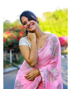 Anasuya bharadwaj cute and hot and bollywood item Indian actress model unseen latest very beautiful and sexy wedding selfie naughty smile im. Beautiful Girl Indian, Beautiful Saree, Beautiful Indian Actress, Gorgeous Women, Photoshoot Pics, Saree Photoshoot, Sonam Kapoor, Deepika Padukone, Beauty Full Girl