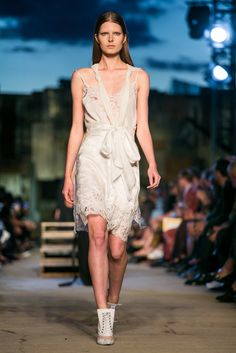 A look from the Givenchy spring/summer 2016 show (Photo: Guillaume Roujas/NOWFASHION)