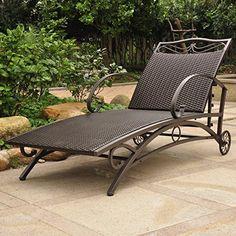 Valencia Steel-Frame Wicker Chaise Lounge