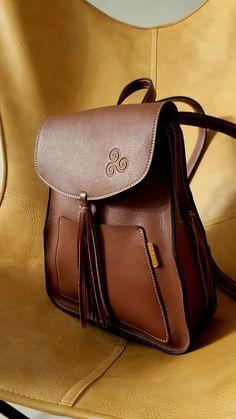 #mochilas #cuero #piel #backpack #leather http://corzoartesania.com/es/mochilas/2-mochila-de-cuero.html