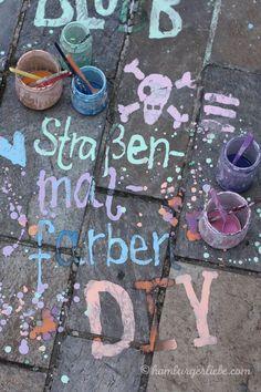 Tutorial: Straßenmalfarbe selbermachen – aus Stärke, Lebensmittelfarbe und Wasser!