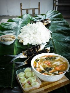 Seafood feast on weekends with the family: Grilled Bangus & Tilapia, Sinigang na Hipon, Tuna Kinilaw, Pinakamalan.