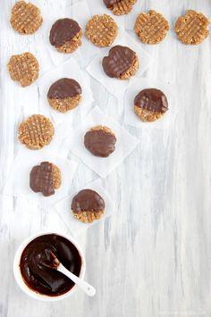 Raw Vegan Chocolate Dipped Peanut Butter Cookies Recipe