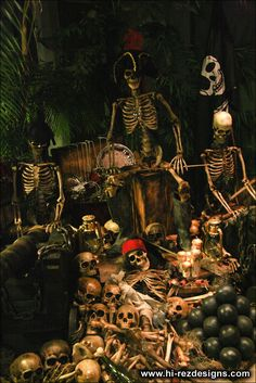 home haunt photos - cemetery and pirates