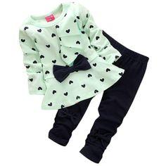 19d290281edf Kolylong® Mädchen (0-2 Jahre alt) Kolylong 2ST   Set Baby Herz Druck Bogen  Dekoration T-Shirt und Hose Kleider  Amazon.de  Bekleidung