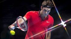 Roger Federer ganó y clasificó a las semifinales del Masters de Londres. Derrotó a Murray en 56 minutos. Noviembre 13, 2014.