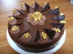 ořechový dort Slovak Recipes, Czech Recipes, Russian Recipes, Chocolate Delight, Chocolate Cake, Russian Pastries, Sour Cream Sauce, Cake Decorating Techniques, Cake Tutorial