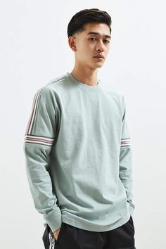 Shop UO Ribbed Drop Shoulder Long Sleeve Tee at Urban Outfitters today. We carry all the latest styles, colors and brands for you to choose from right here. Mens Hairstyles Fade, Cool Hairstyles For Men, Haircuts For Men, Men's Hairstyles, Smart Hairstyles, Asian Man Haircut, Asian Men Hairstyle, Japanese Hairstyle, Hairstyle Ideas