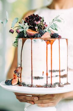 Fruit wedding cake in Tuorla, Finland - Photos by Petra Veikkola Photography