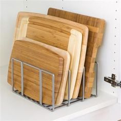 Dividers to stand cutting boards, cookie sheets & thin stackable plates