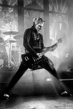 Read Vuelve Omega 2 from the story Curiosidades de Ghost by Lund_Norrsken (Norrsken) with 780 reads. Band Ghost, Ghost Bc, System Of A Down, Pop Rock, Rock And Roll, Great Bands, Cool Bands, Ghost Banda, Ghost Papa Emeritus