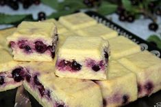 Flan de semoule pommes & cerises - Chez Vanda Cookies Fondant, Cake Courgette, Chez Vanda, Brownies, Cheesecake, Desserts, Food, Apples, Raisin
