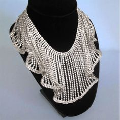 Vintage-Schreiner-Massive-Crystal-Clear-Rhinestone-Bib-Collar-Ruffled-Necklace