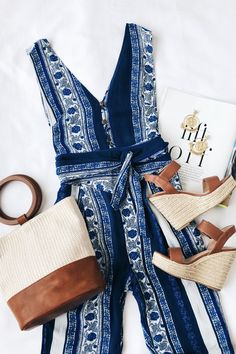 summer outfits with wedges best outfits Cute Summer Outfits, Spring Outfits, Cute Outfits, Jumpsuit Elegante, Mode Shoes, Look Man, Minimal Chic, Lookbook, Spring Summer Fashion