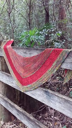 Echo Wood by Boo Knits, knitted by numptytoo   malabrigo Sock in Diana and Ravelry Red