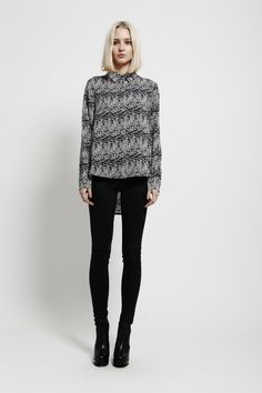 SASS - BLACK AND WHITE SPECKLE PRINT BLOUSE