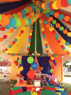 Vintage Circus Party, Circus Carnival Party, Circus Theme Party, Carnival Birthday Parties, First Birthday Parties, Birthday Party Decorations, Circus Party Centerpieces, Circus Wedding, Carnival Costumes