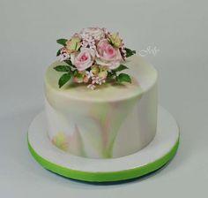Dúhová torta s ružami. Autorka: joly. Tortyodmamy.sk
