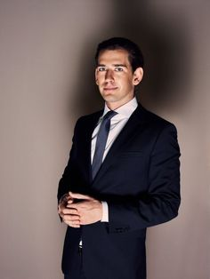 Sebastian Kurz, is set to take over the reins in Austria. In an interview with DER SPIEGEL, he speaks of a possible coalition with the right-wing FPÖ, about his hard-line stance on immigration and how age influences politics. Drudge Report, Service Quality, Right Wing, Cute Guys, No Response, How To Look Better, How To Apply, Europe, Bring It On