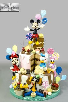Mickey & Friends Birthday Party Cake by MLADMAN - Torten & andere Leckereien - Yorgo Crazy Cakes, Fancy Cakes, Cute Cakes, Mickey And Minnie Cake, Bolo Mickey, Mickey Mouse Parties, Mickey Party, Minnie Mouse, Disney Desserts